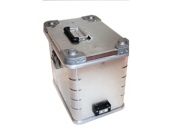 Akku Ladebox ZARGES K470 für 2 x Akku.Mit dem Löschgranulat EXTOVER und Brandschutzmittel , 2 x 1 kg + 4 x 0,19 kg genadelte PE-Beutel zzgl. 2 x 0,7 kg + 4 x 0,3 kg Stoffkissen B1 schwer entflammbar.Ein perfekter optimierter Sicherheitsbehälter für die Lagerung.